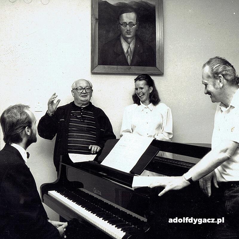 Adolf Dygacz ze studentami